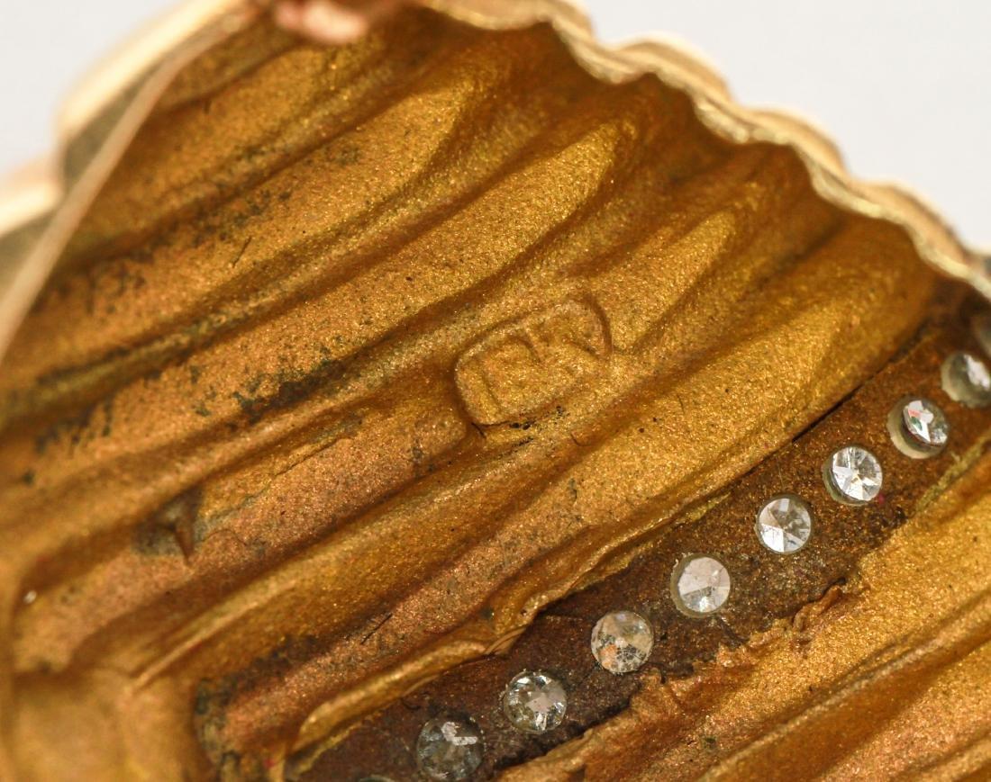 18K Gold & Pave-Set Diamonds Chevron Motif Brooch - 4