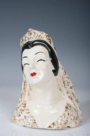 1999: Regency Ceramic Queen Vase Head