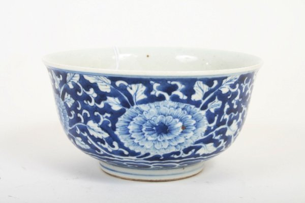 25: 19th C Chinese Blue and White Export Bowl