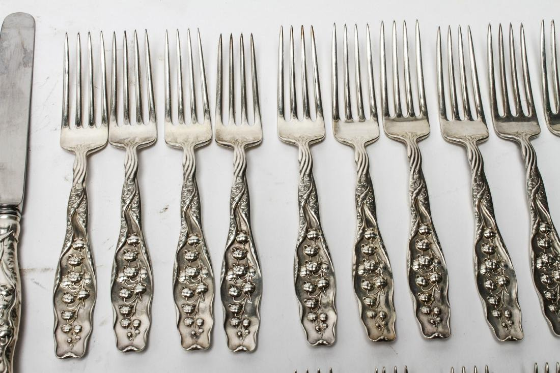 """Whiting Mfg """"Lily of the Valley"""" Flatware Svc, 90 - 7"""