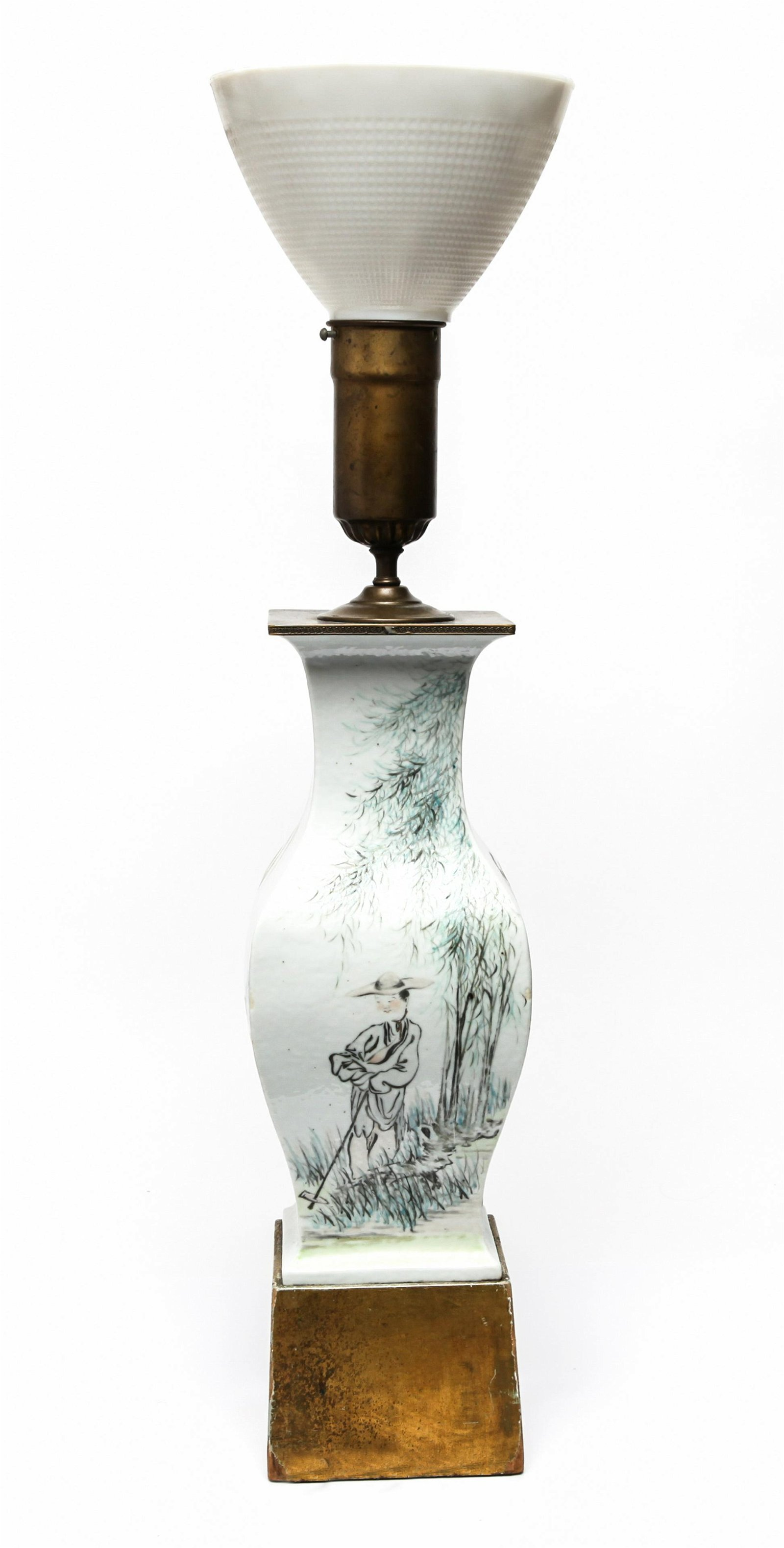 Chinese Qing Dynasty Painted Porcelain Table Lamp
