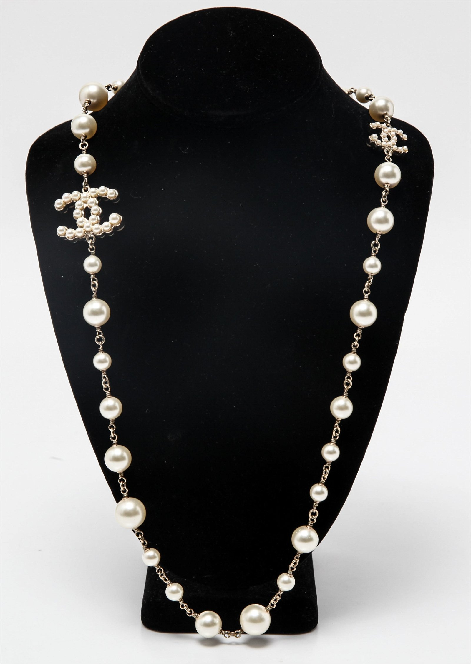 Chanel Faux-Pearls Costume Linked Necklace
