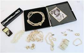 Womans Pearl Costume Jewelry Vintage 14 Pcs
