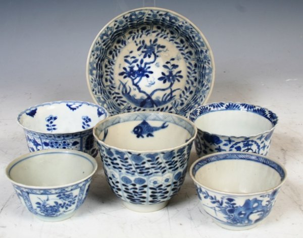 3010: 6 Chinese 18th / 19th c. Cups & Saucer