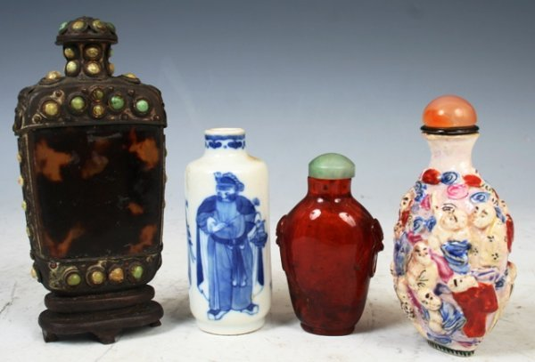 3016: 4 19th c. Chinese Snuff Bottles