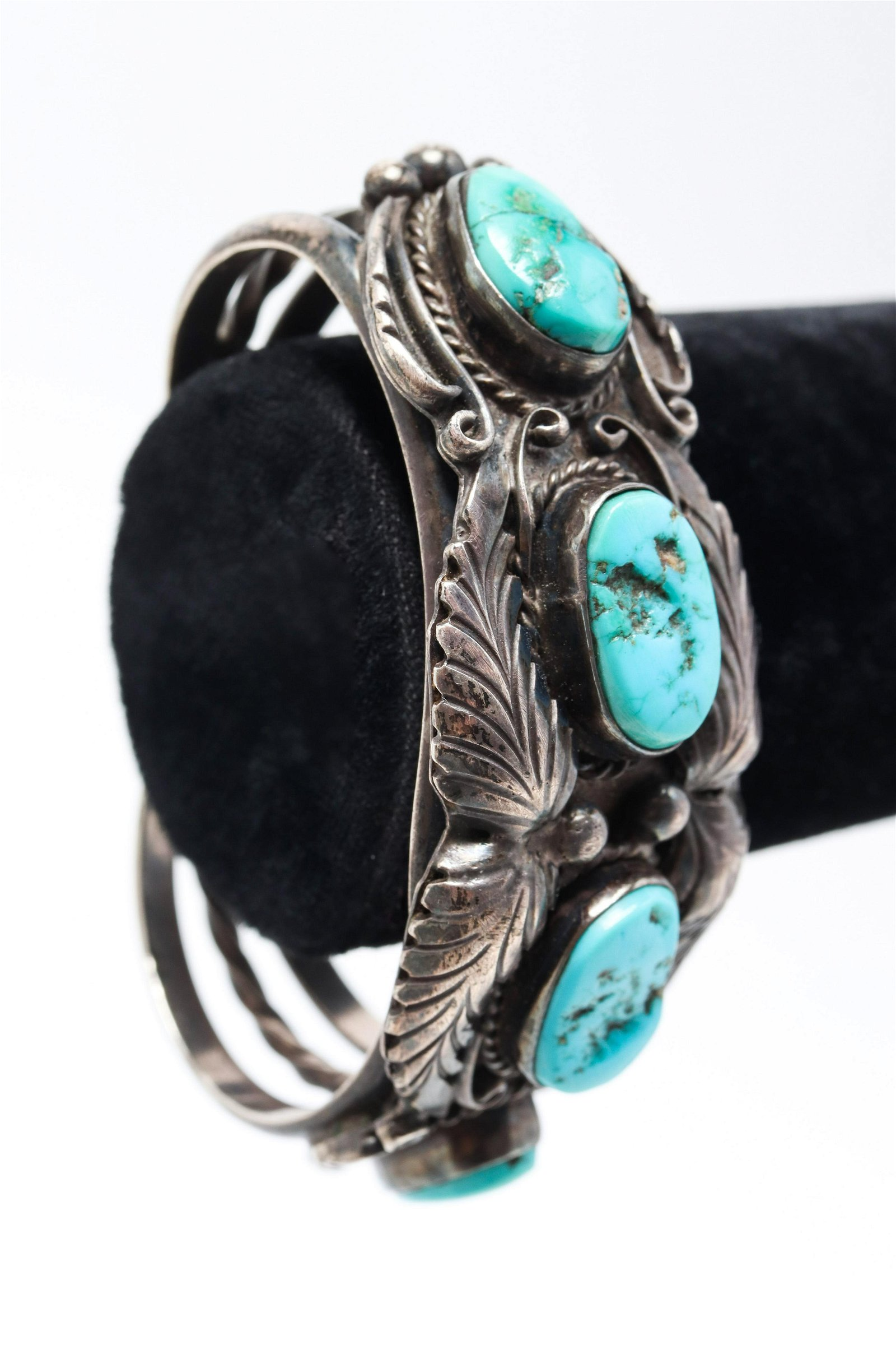 Southwest Navajo Indian Silver & Turquoise Cuff