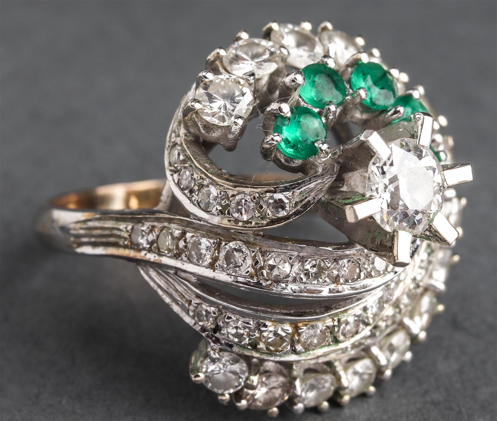 Antique 18K/14K White Gold Diamond & Emerald Ring