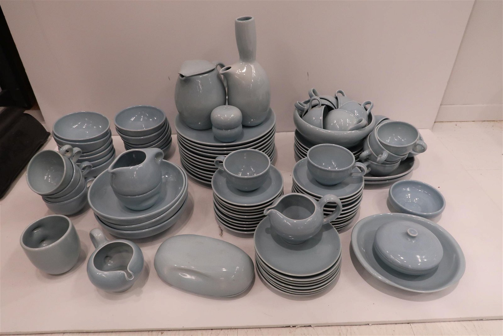 """Russel Wright """"Iroquois"""" Dinner Service, 94 Pcs."""