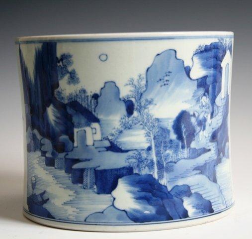 19: Large Chinese Porcelain Brush Pot