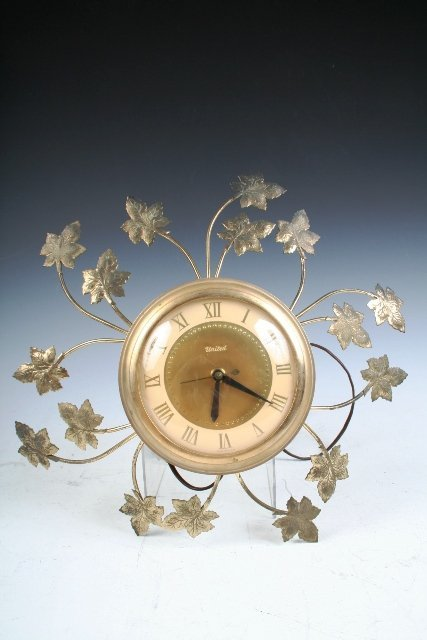 20: Mid-Century Electric Brass Wall Clock w/Leaves