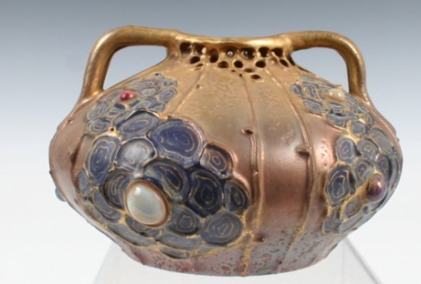 417: Wahliss Amphora Nouveau Low 2-Handled Vase