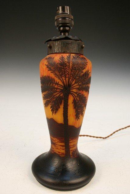 17: Degue Cut-Cameo Glass Illuminating Lamp Base