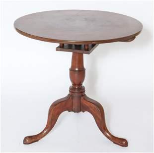 Queen Anne Style Wooden Tilt-Top Tea Table
