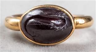 Vintage 18K Yellow Gold Oval Garnet Intaglio Ring