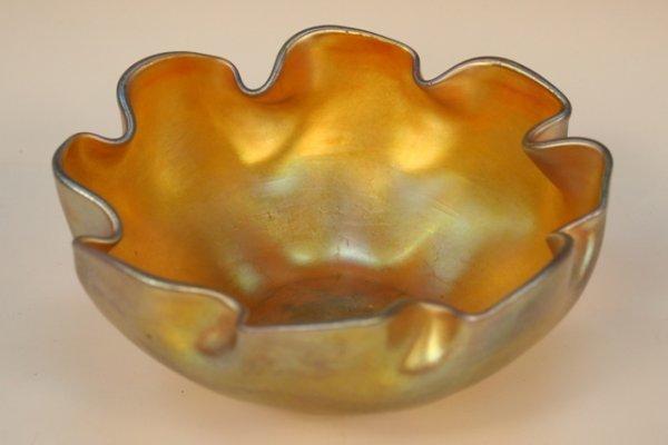 Tiffany Nouveau Iridescent Glass Bowl Ruffled Rim