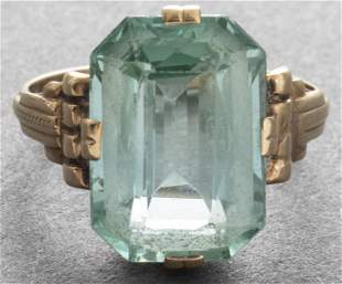 Art Deco 14K Yellow Gold Green Stone Ring