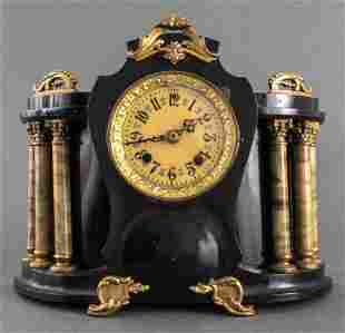 Vintage New Haven Clock Company Mantle Clock
