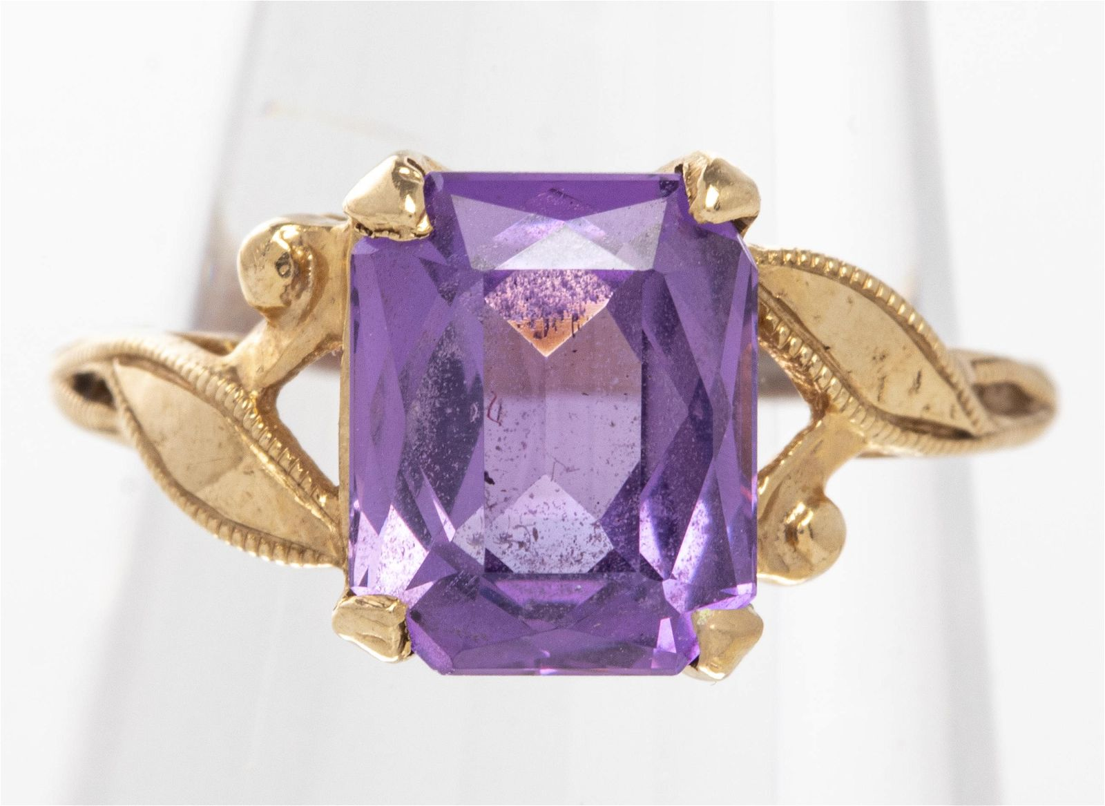 Vintage 14K Yellow Gold Pink Sapphire Ring