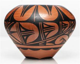 Donald Chinana Jemez Southwest Pottery Vase