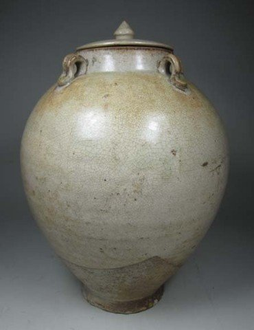 Chinese Tang Straw-Glazed Pottery Covered Jar