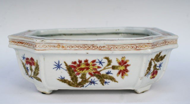 Chinese Porcelain Famille Rose Planter 19th C.