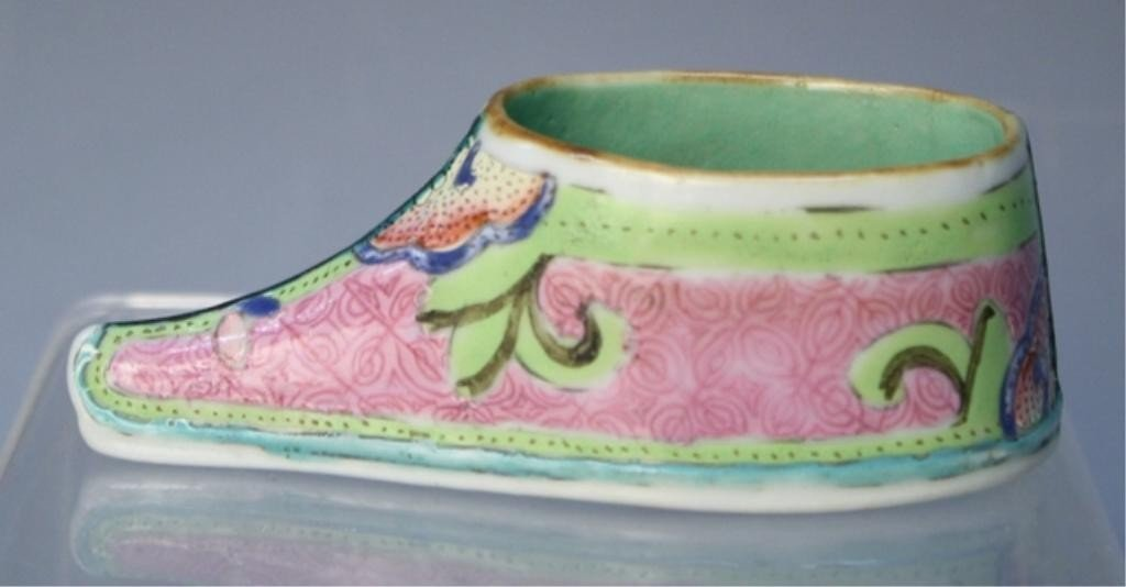 6: Chinese Famille Rose Porcelain Shoe 19th Century
