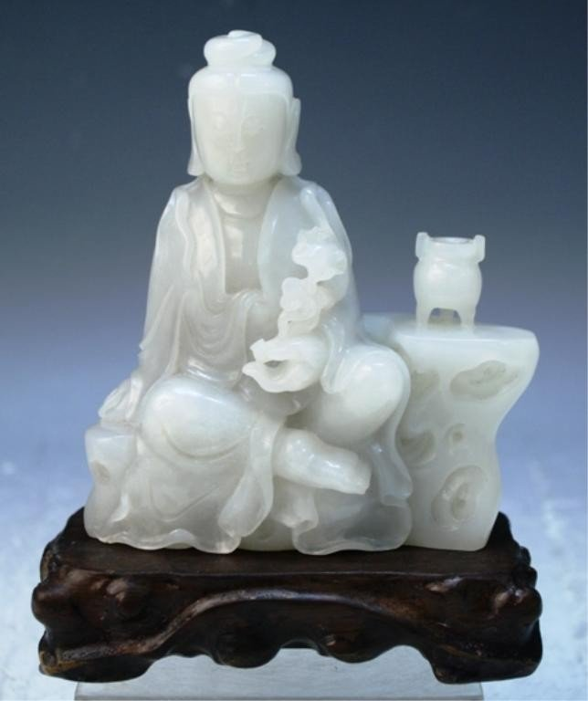 284: Chinese White Jade Carved Figure of Guanyin