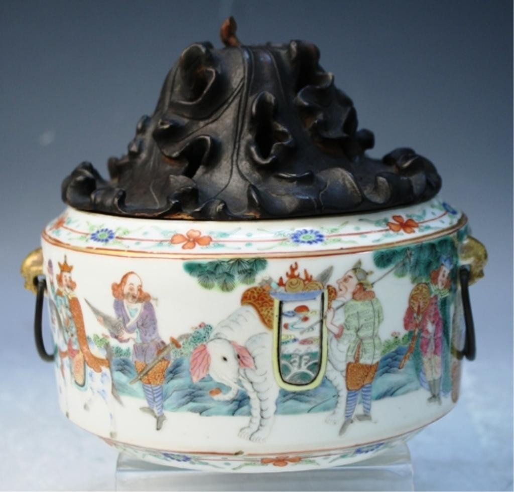 32: Chinese Famille Rose Censer w/ Wood Top Qing Dyn