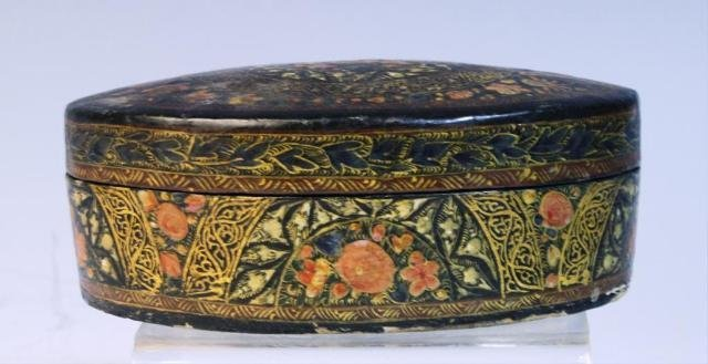 29: Oval Lacquered Box with Flowers