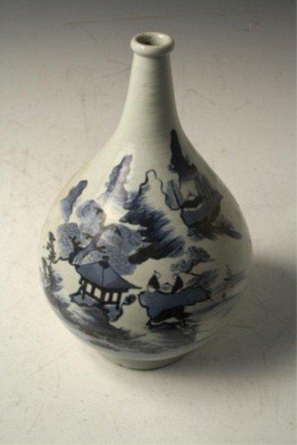 28: Chinese Blue & White Porcelain Bottle Vase Ming D