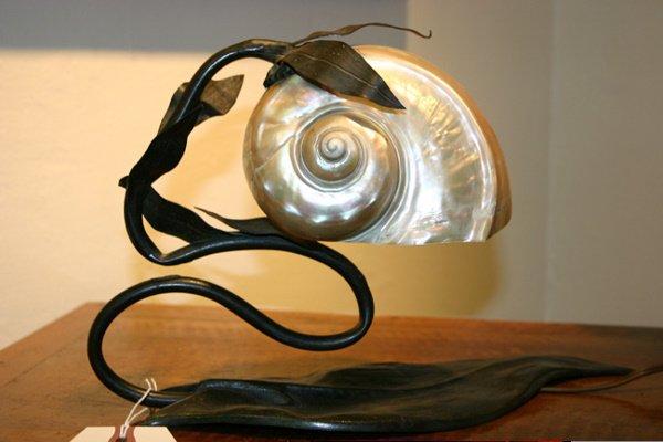 243: NAUTILUS SHELL LAMP W/BRONZE LILLY POD BASE