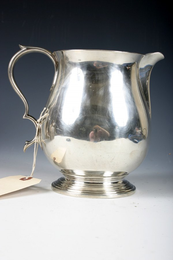504: TIFFANY & CO MAKERS STERLING PITCHER APPRX. 31 OZ