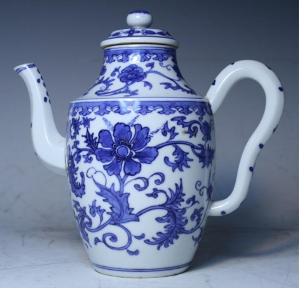 20: Chinese Blue & White Floral Teapot