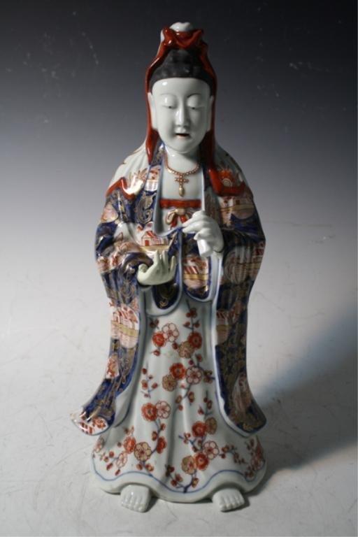 213: Japanese Iro-e Ko Imari Porcelain Guanyin Figure