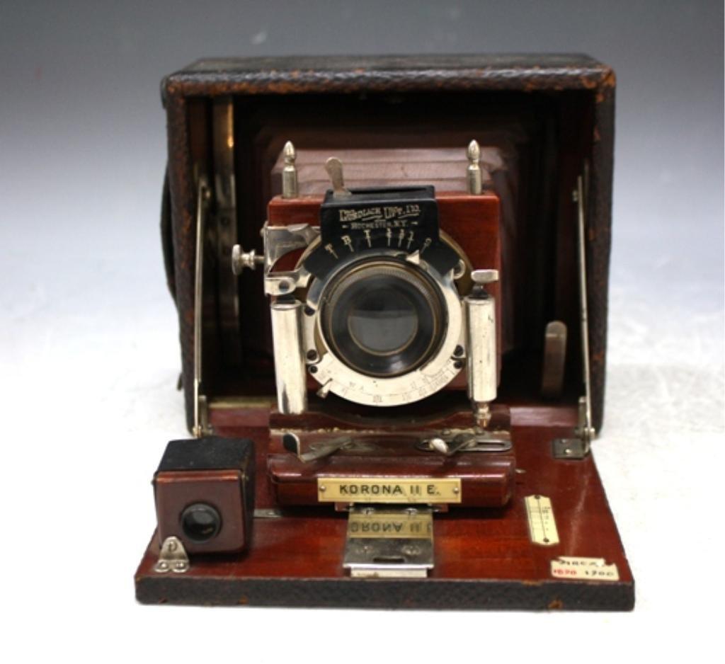 38: Rochester Folding Plate Camera American 1890s