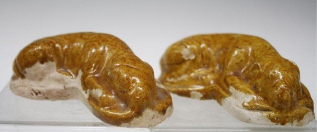 Chinese Pair of Amber Lead Glazed Ceramic Dogs