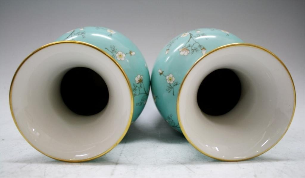 Pair of German Hertel-Jacob Bavaria Vases - 9