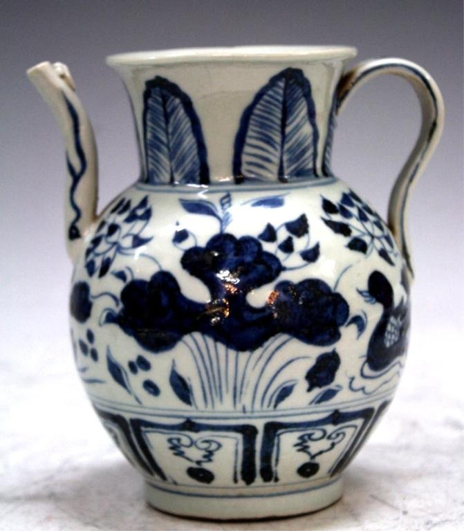 Chinese Blue and White Porcelain Teapot, poss Yuan