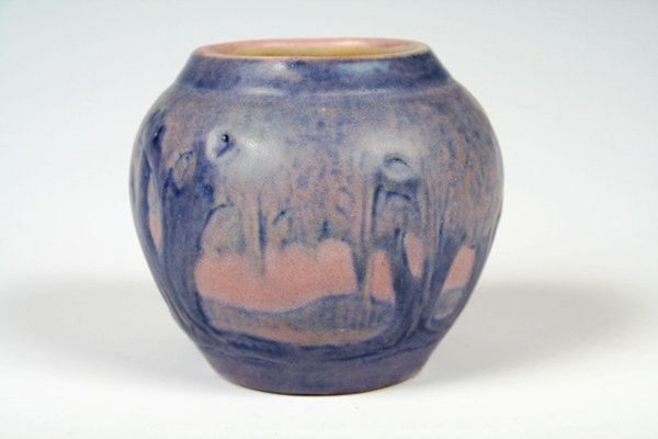 1024: Newcomb College Pottery Miniature Vase