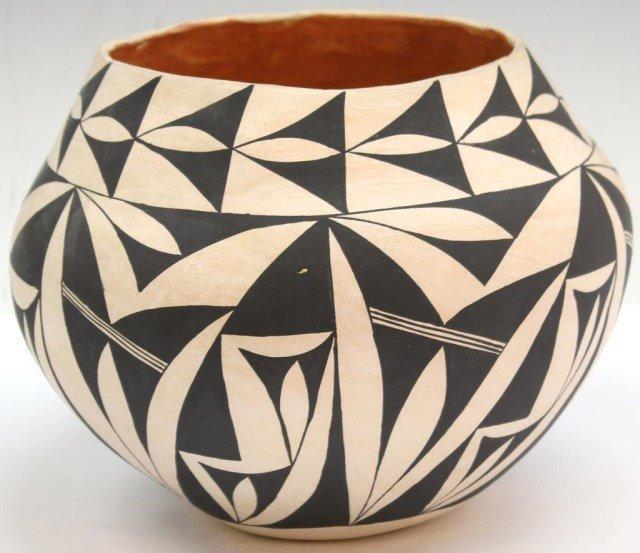 Native American Acoma Pueblo Ceramic Jar