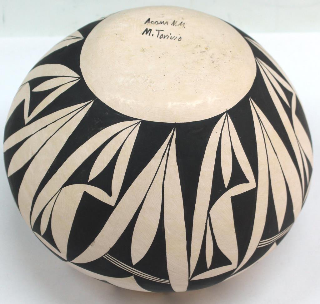 Native American Acoma Pueblo Ceramic Jar - 3