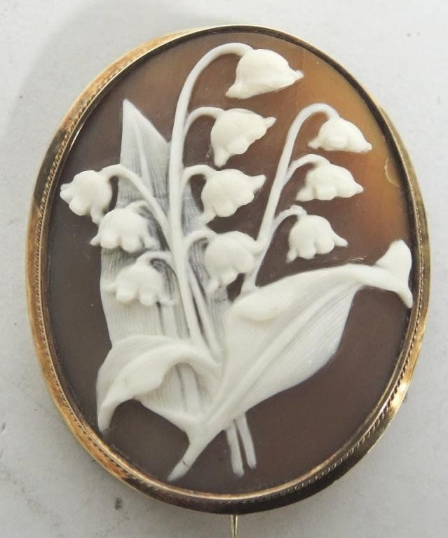 Antique Shell Cameo in 14K Gold Brooch