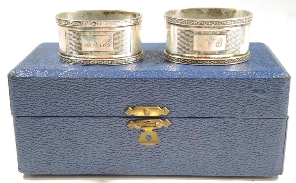 Pair Cased Vintage English Sterling Napkin Rings