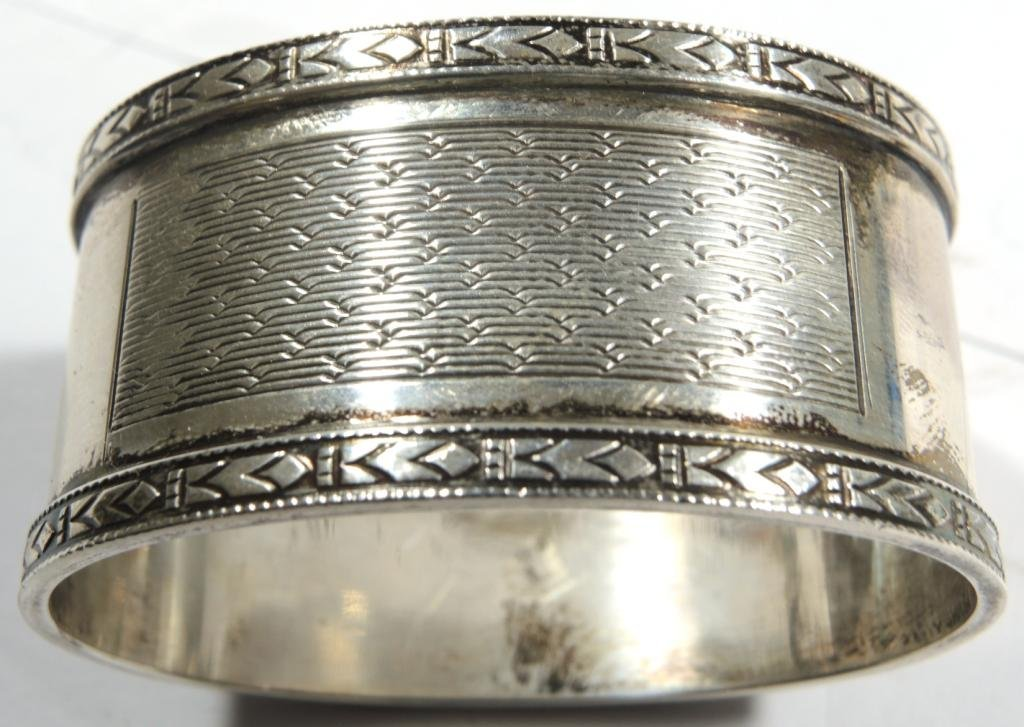 Pair Cased Vintage English Sterling Napkin Rings - 7