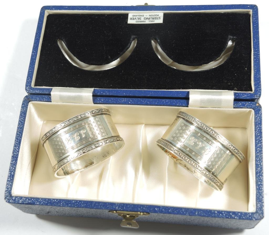 Pair Cased Vintage English Sterling Napkin Rings - 8