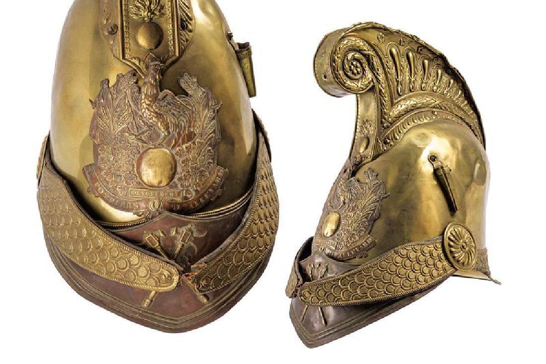 A fire-fighter's helmet