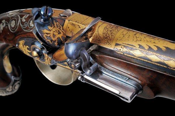 144: A pair of flintlock presentation pistols by Boutet - 3
