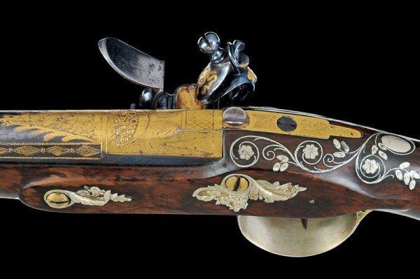 144: A pair of flintlock presentation pistols by Boutet - 5