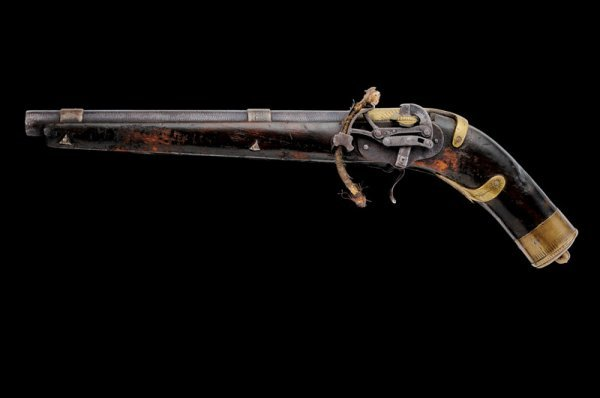 15: A scarce automatic pan-cover matchlock pistol with