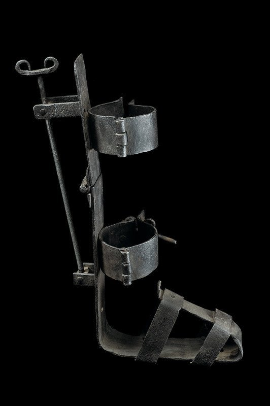 1361: Military orthopedic instrument